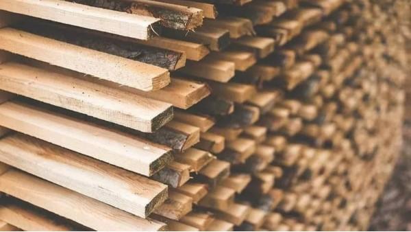 世界各地建筑业和房市受木材短缺的连锁反应影响