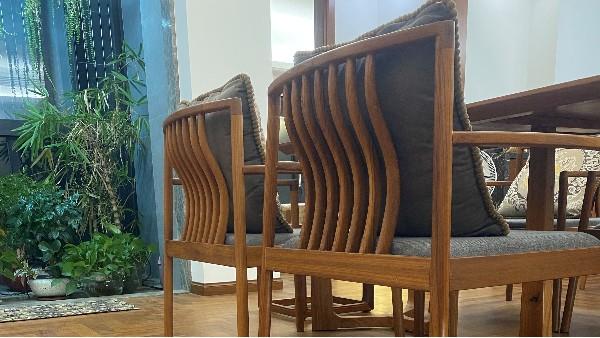缅甸柚木经加工后的高端家具